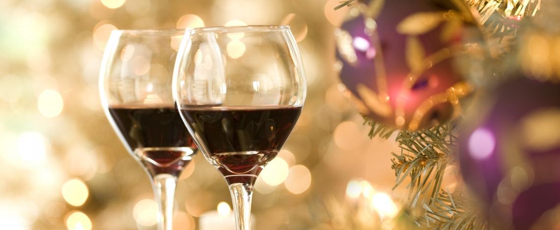 christmas-wine-gift-1-1140x468